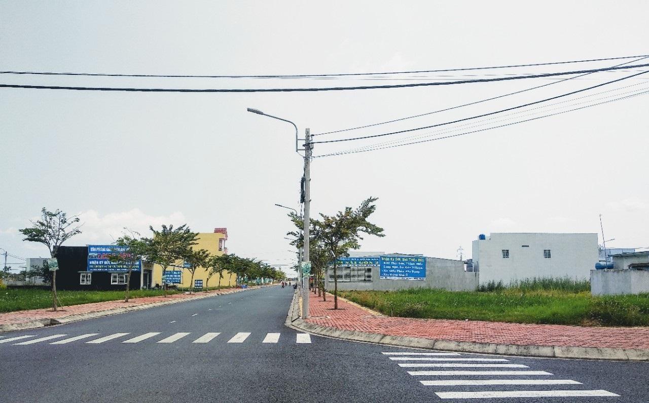 Bán đất sổ đỏ riêng, MT Nguyễn Văn Tạo, Nhà Bè. Dt 5x20m2.XDTD. Nhựa 17m